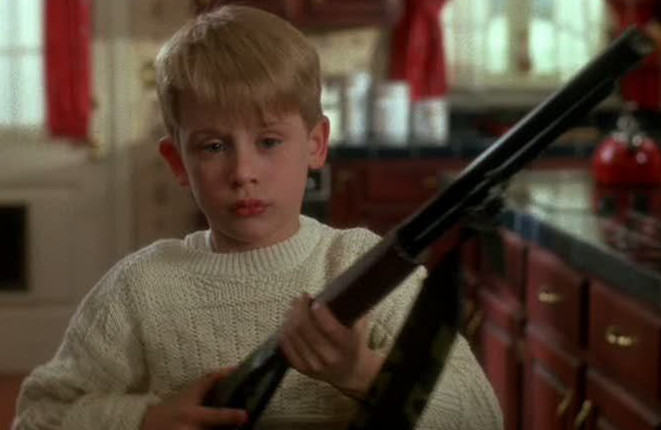 HomeAlone_Kevin_with_gun