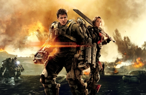 Tom Cruise as Bill Cage and Emily Blunt as Rita Vrataski in Edge of Tomorrow, directed by Doug Liman.