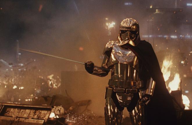 Captain-Phasma-in-The-Last-Jedi