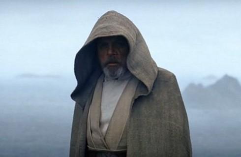 The-Force-Awakens_Luke-in-Exile