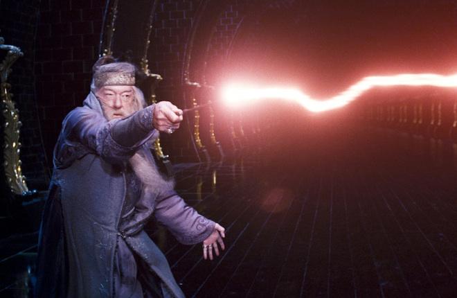 Dumbledore-casting-spell